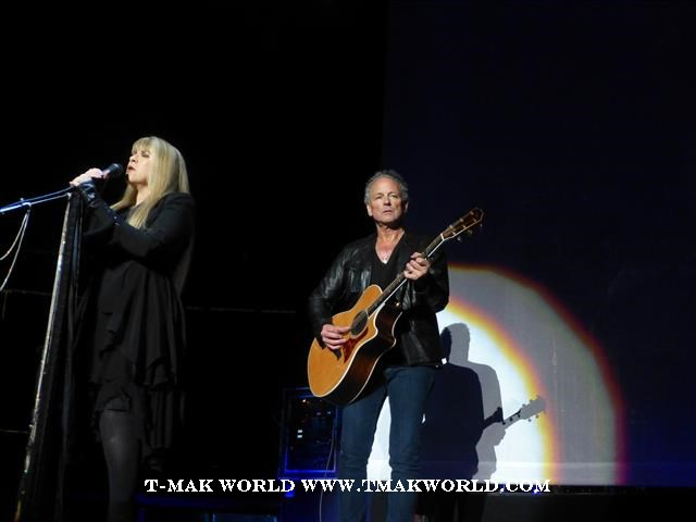Stevie Nicks and Lindsey Buckingham - Fleetwood Mac 2013 Newark NJ Concert Review