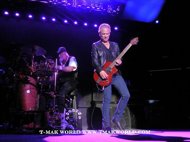 Mick Fleetwood and Lindsey Buckingham - Fleetwood Mac 2013 Newark NJ Concert Review