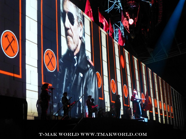 Roger Waters Athens Greece - The Wall