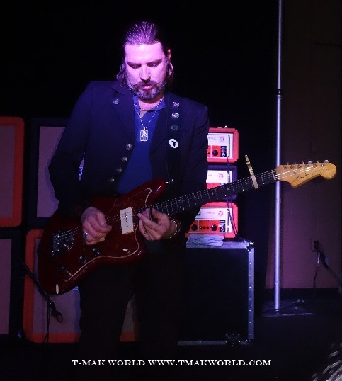 Scott Holiday of Rival Sons in Ottawa - November 2013
