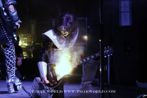 Kon Zakzanis as Ace Frehley
