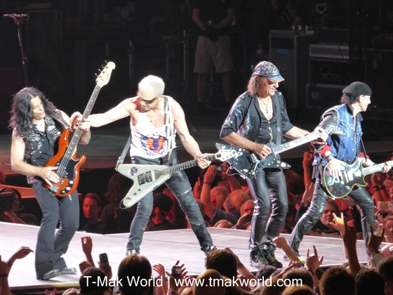 Scorpions Toronto 2015 on Walkway